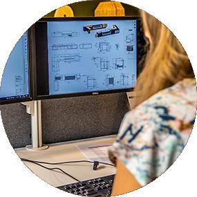 De Leeuw Interieurbouw computer
